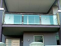 Ограждение балкона из нержавейки со стеклом