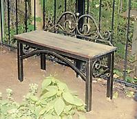 Кованая скамейка для могилы