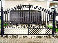 Кованые ворота с сетчатым заполнением