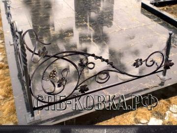 Уголок на могилу 06  - 8 100 рублей/шт.