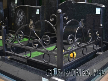 Уголок на могилу 02 - 6900 рублей/шт.
